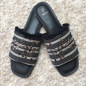Vera Wang Charden Black Fabric & Gem Sandals Sz 10